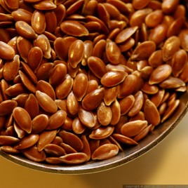 I semi di lino e i semi di sesamo vanno tritati?